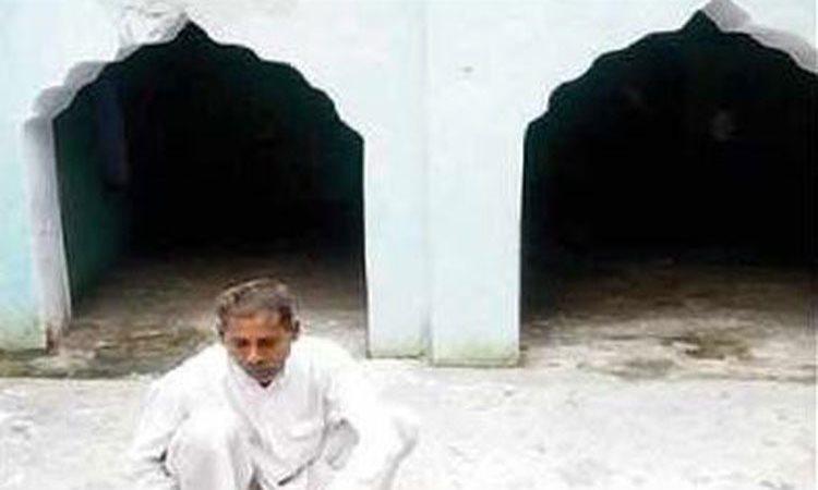 একজন হিন্দু হয়ে ২৫ বছর ধরে আগলে রেখেছেন মসজিদকে
